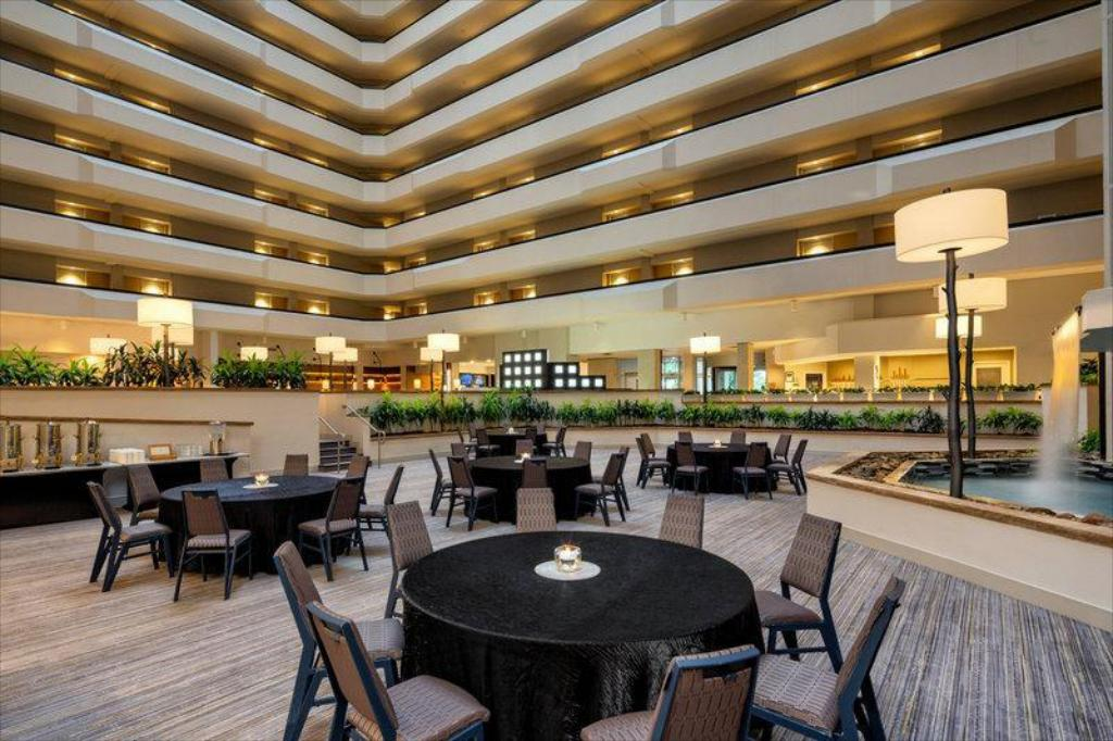 More about Sheraton West Des Moines Hotel