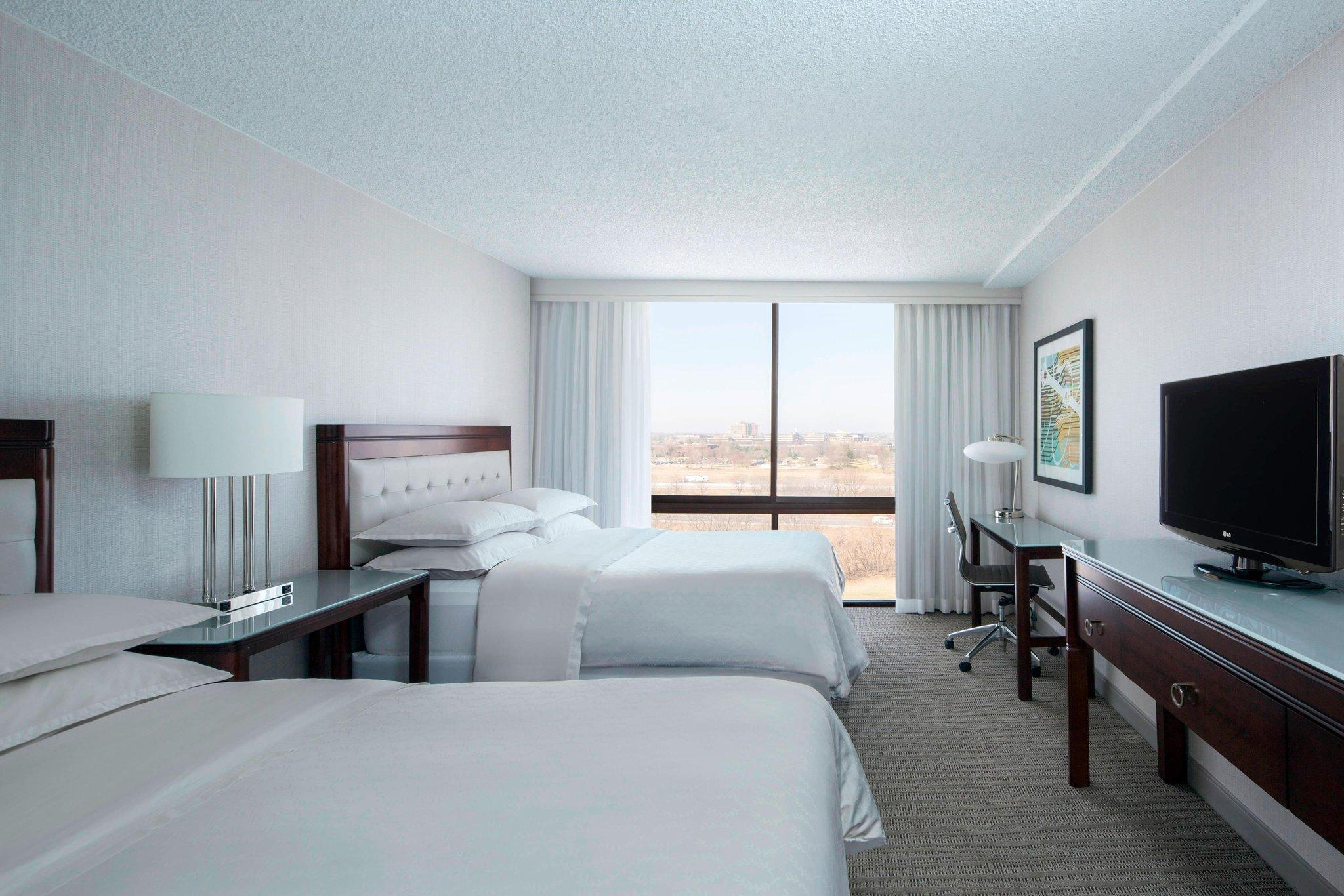 Concierge level, Guest room, 2 Double, City view