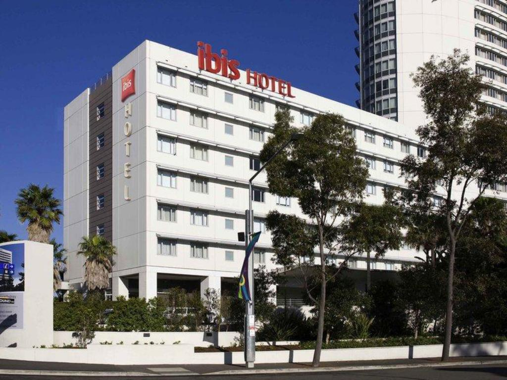 More about Hotel Ibis Sydney Olympic Park