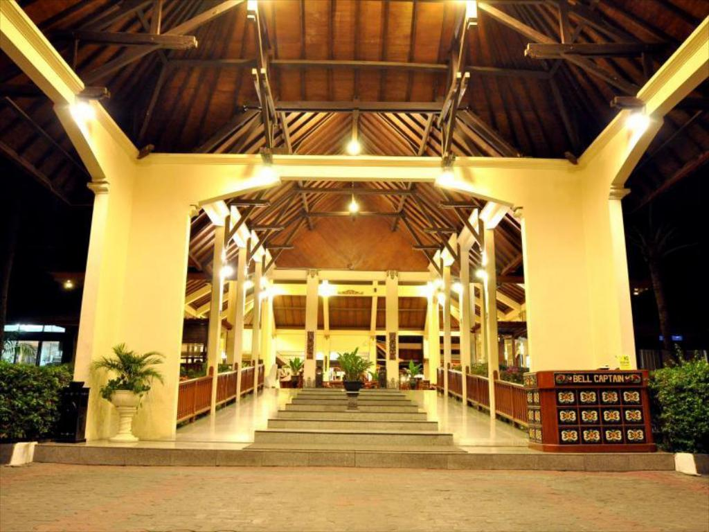 Lobby The Jayakarta Lombok Beach Resort