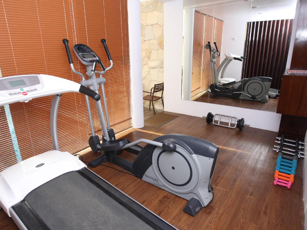 Fitness center Favor Hotel