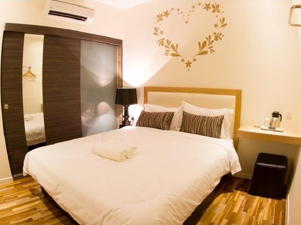 Mood Hotel in Johor Bahru - Room Deals, Photos & Reviews on