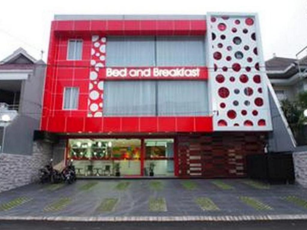 Best Price On Hotel Bed And Breakfast Surabaya In Surabaya