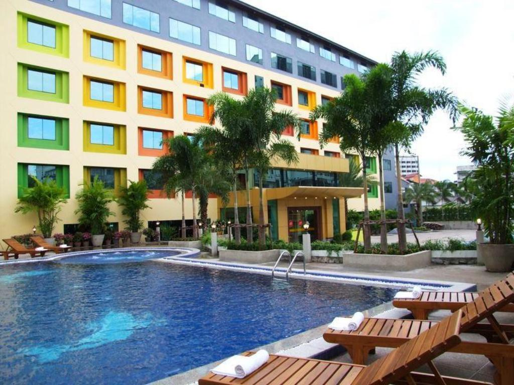 Swimming pool Boutique Paradise Hotel