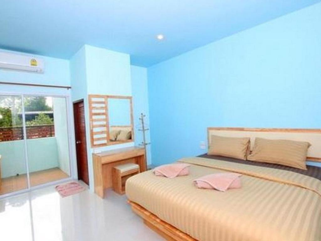 Standard Double Bed Lub D Resort