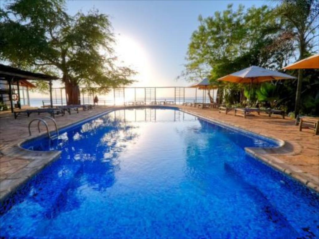 Best price on mediterraneo hotel and restaurant in dar es salaam reviews for Swimming pools in dar es salaam