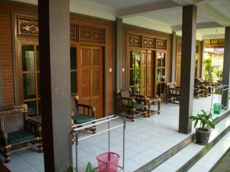 Balcony/terrace Bunut Garden Bed & Breakfast