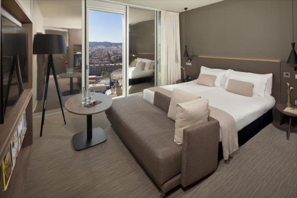 Level Grand premium kambarys - Lova The Level at Melia Barcelona Sky