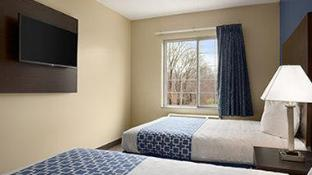 Days Inn & Suites by Wyndham Cherry Hill - Philadelphia