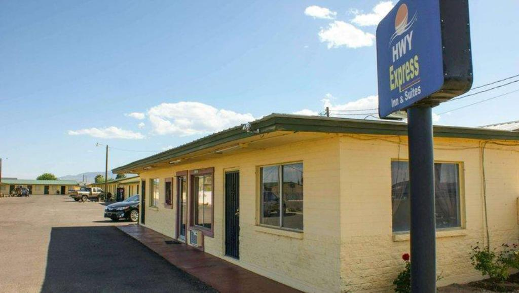 More about Hwy. Express Inn & Suites