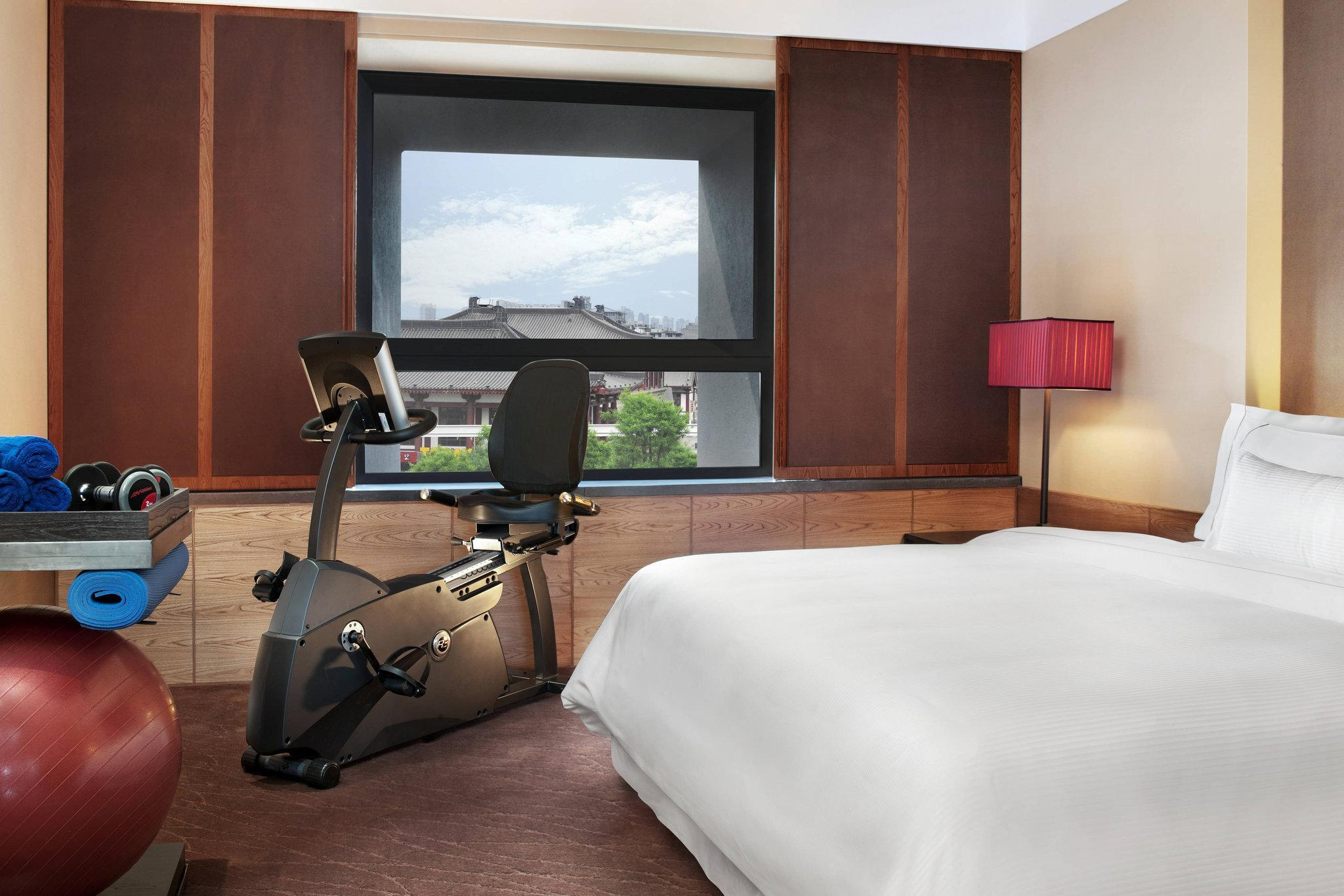 Workout Room, Club lounge access, Guest room, 1 King