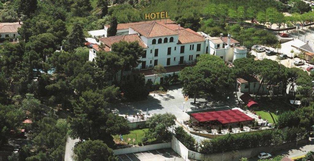 More about Hotel El Castell