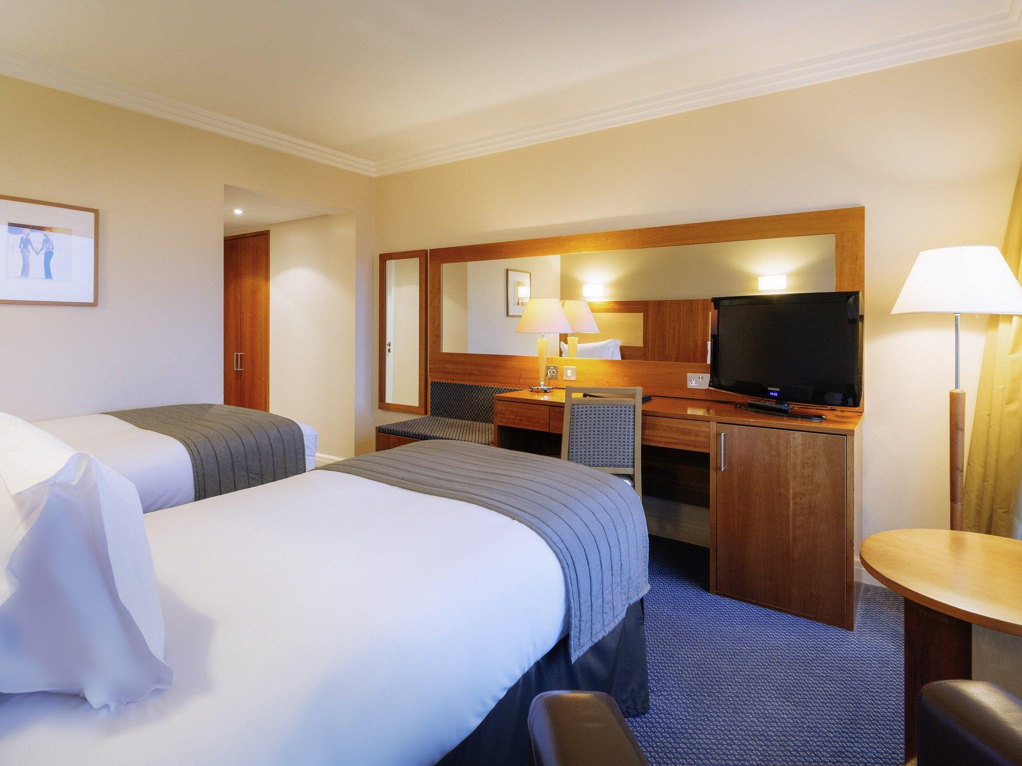 Superior Room 2 Single Beds