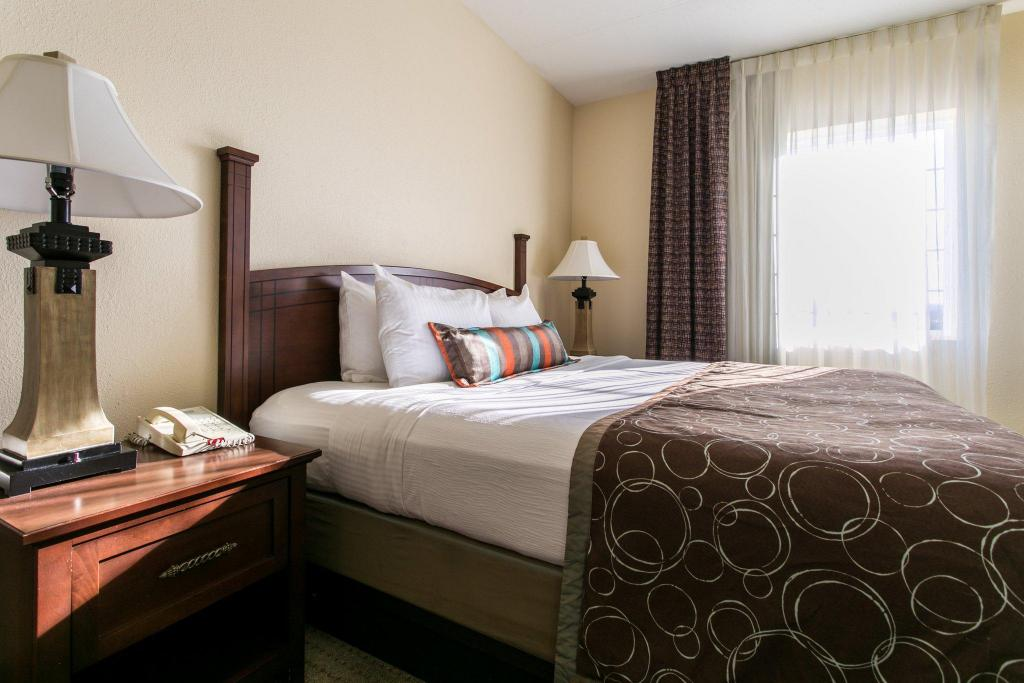 Staybridge Suites Chattanooga-Hamilton Place in Chattanooga ...