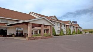 Boarders Inn & Suites by Cobblestone Hotels of Superior / Duluth