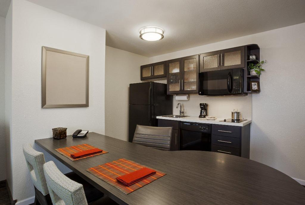 Studio Suite with Queen Bed and Roll-In Shower - Accessible, Non-Smoking Candlewood Suites/Salt Lake City Airport