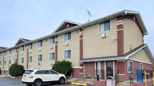 Super 8 By Wyndham Kenosha/Pleasant Prairie