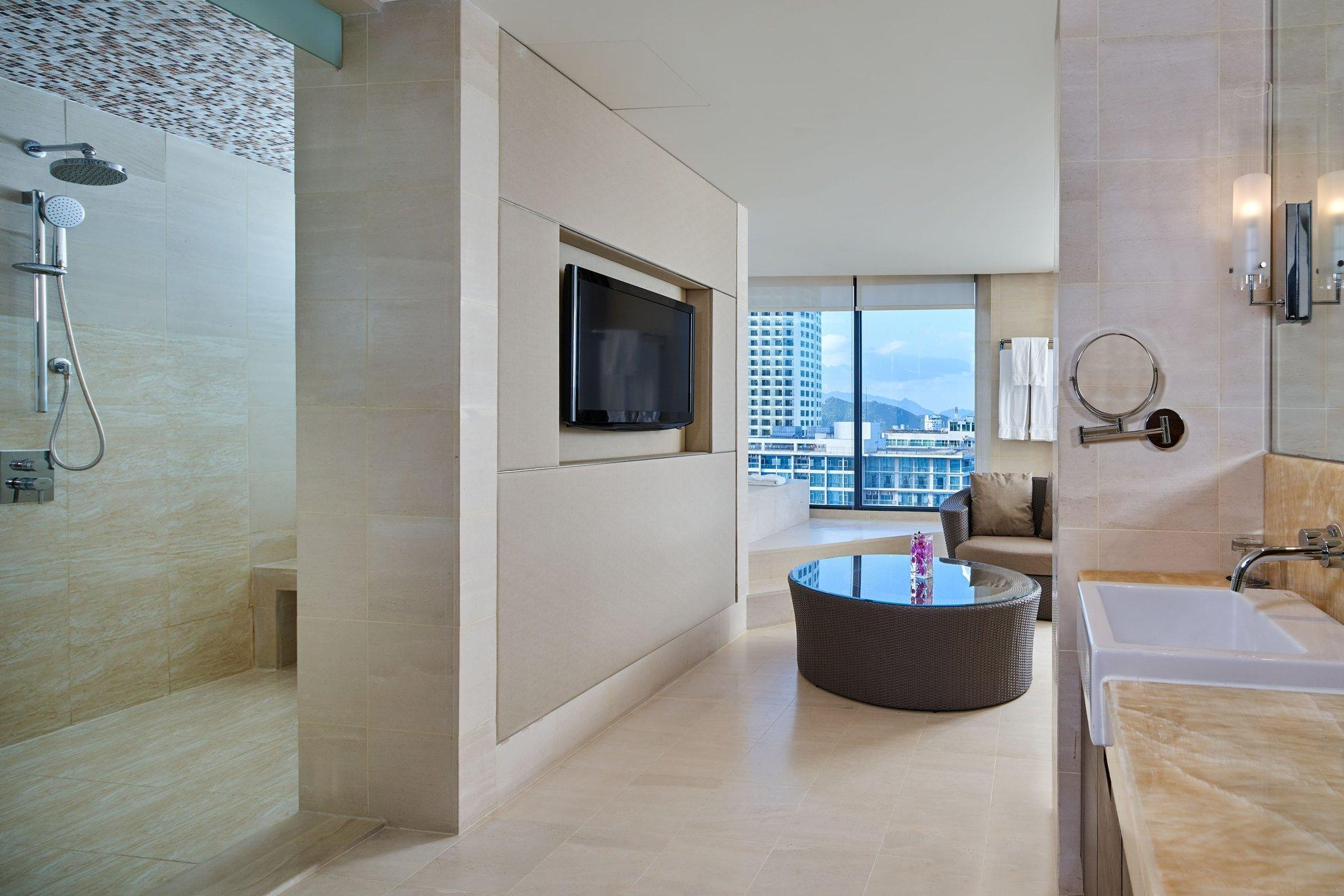 Presidential Suite, Club lounge access, 1 King, Ocean view
