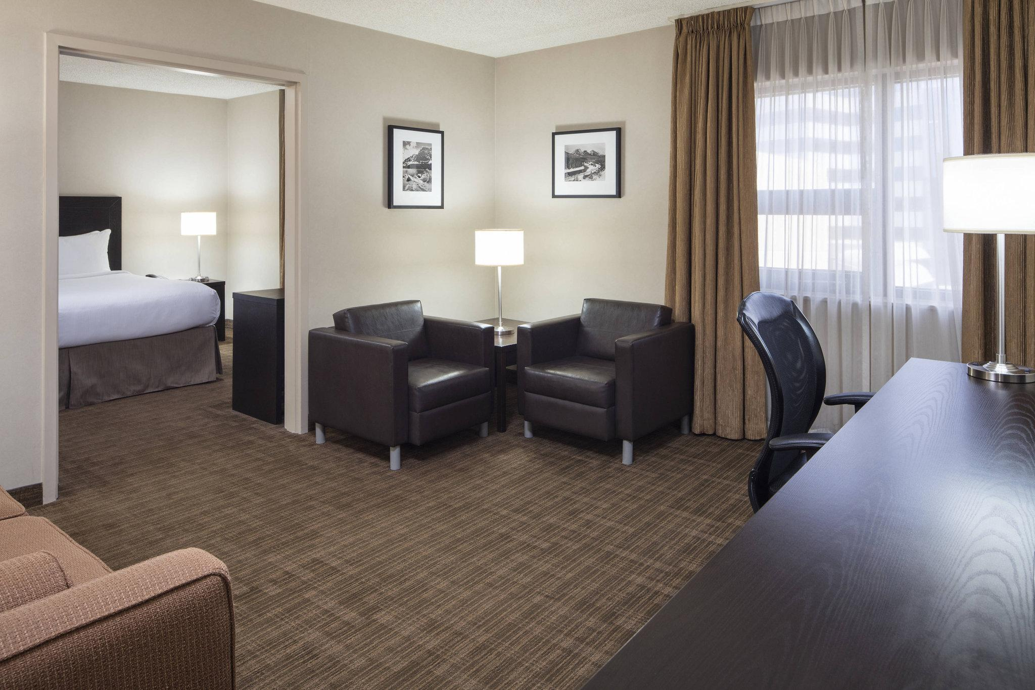 Fantastic Delta Hotels By Marriott Calgary Airport In Terminal In Beatyapartments Chair Design Images Beatyapartmentscom