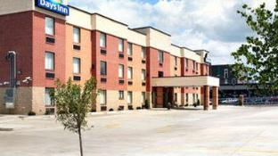 Days Inn by Wyndham Downtown St. Louis