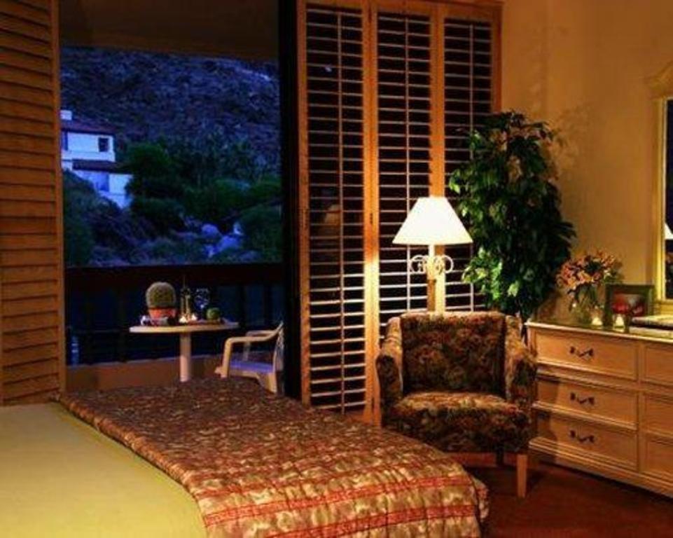 Palm Springs Tennis Club Hotel Resort Palm Springs Ca Deals Photos Reviews