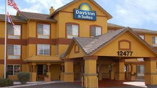 Days Inn & Suites by Wyndham Surprise
