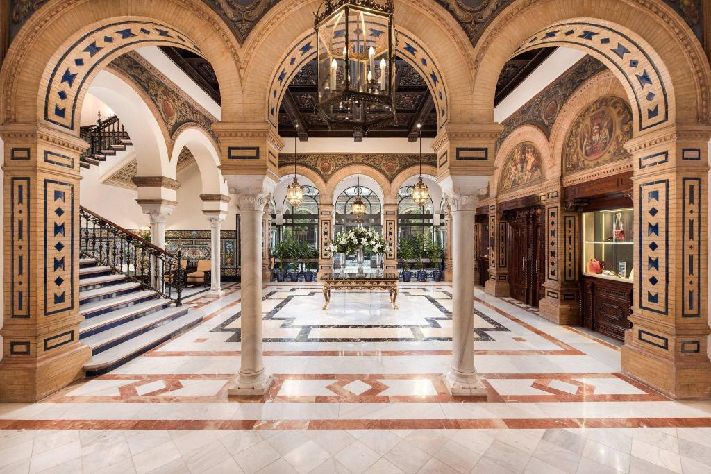 Лобби Hotel Alfonso XIII, a Luxury Collection Hotel, Seville