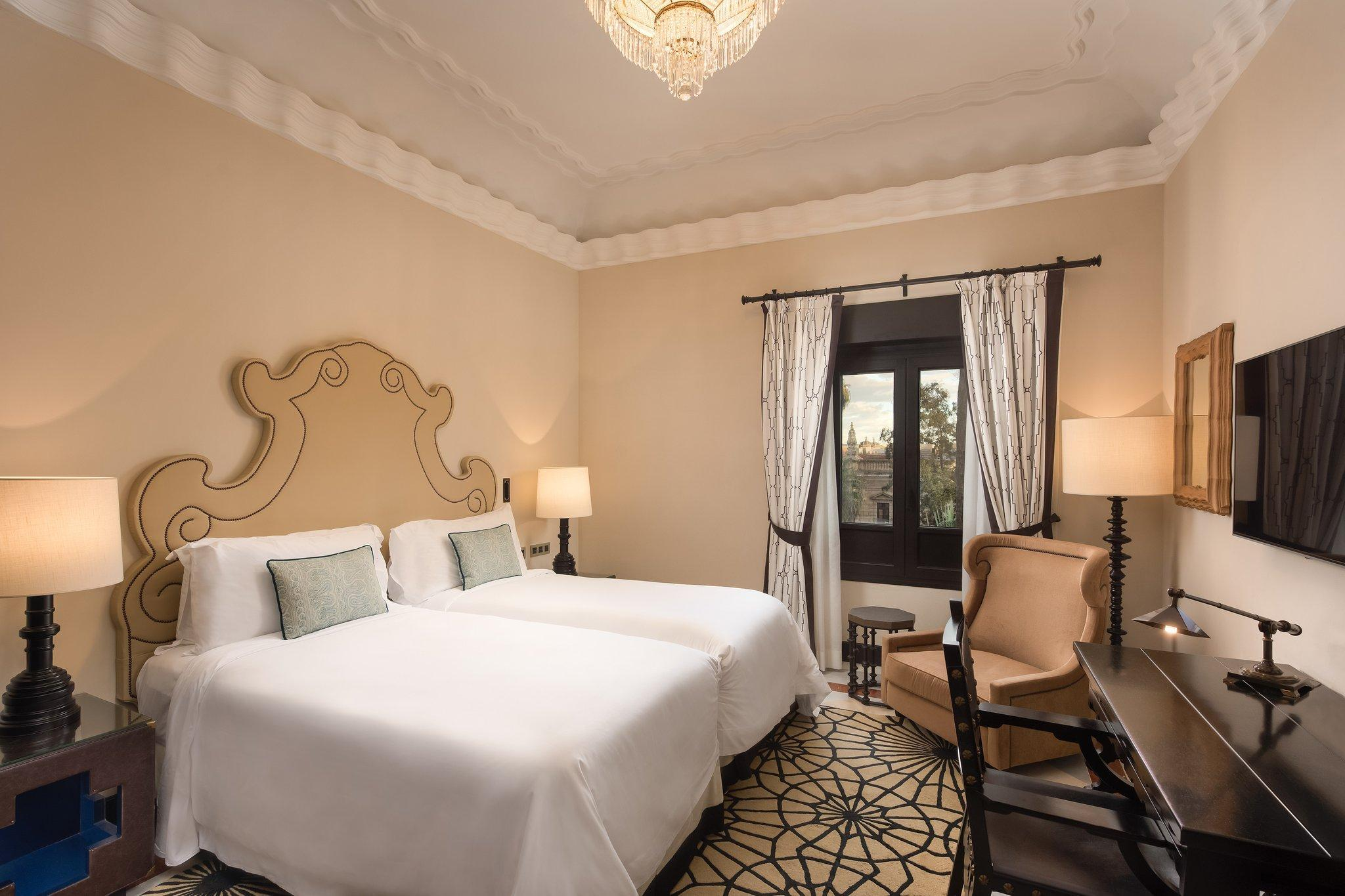 Grand Deluxe Room, Guest room, 2 Twin/Single Bed(s)
