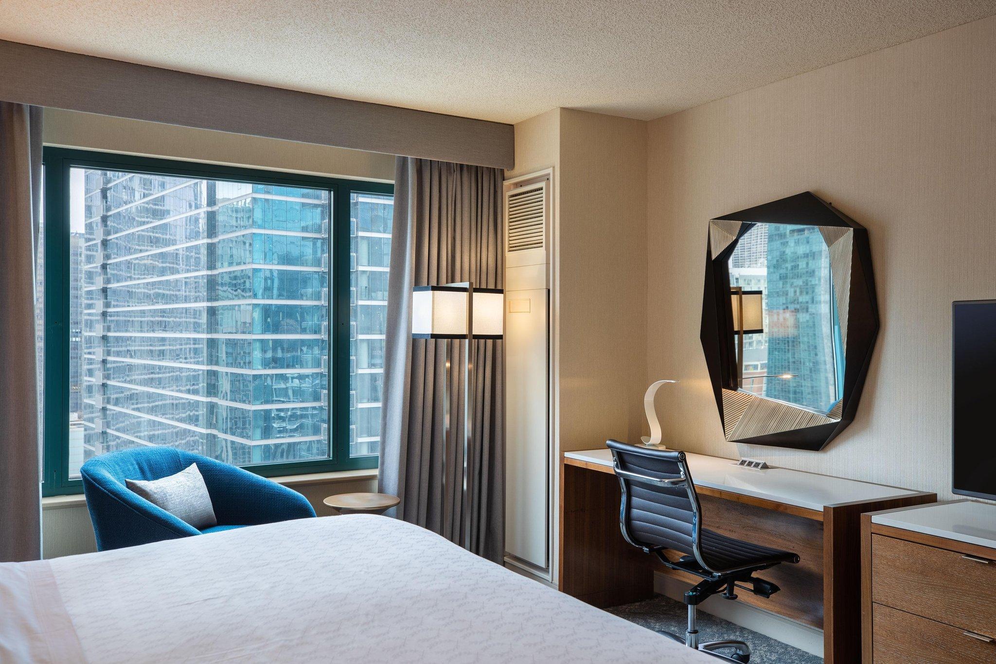 Sheraton Grand Chicago Hotel Chicago Il Deals Photos Reviews