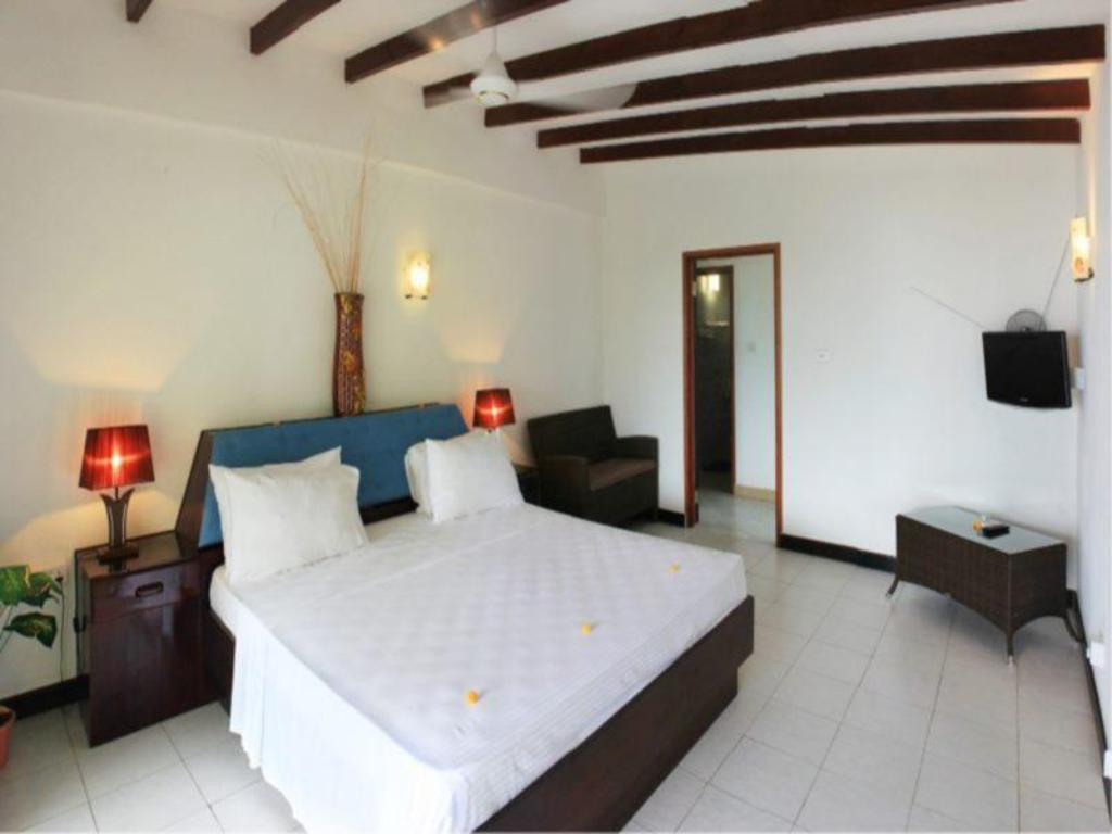Double Bed Standard Anse Norwa Guest House
