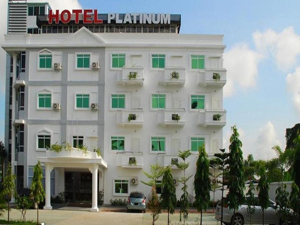 Hotel platinum in yangon room deals photos reviews for Design hotel yangon