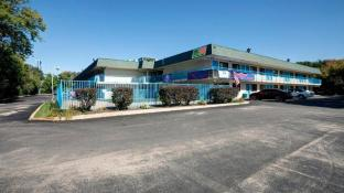 Americas Best Value Inn & Suites Walker Grand Rapids N