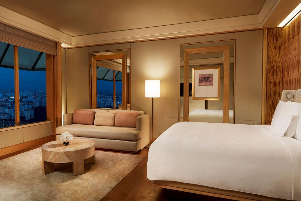 Club Deluxe Kallang, Club lounge access, Guest room, 1 King The Ritz-Carlton, Millenia Singapore