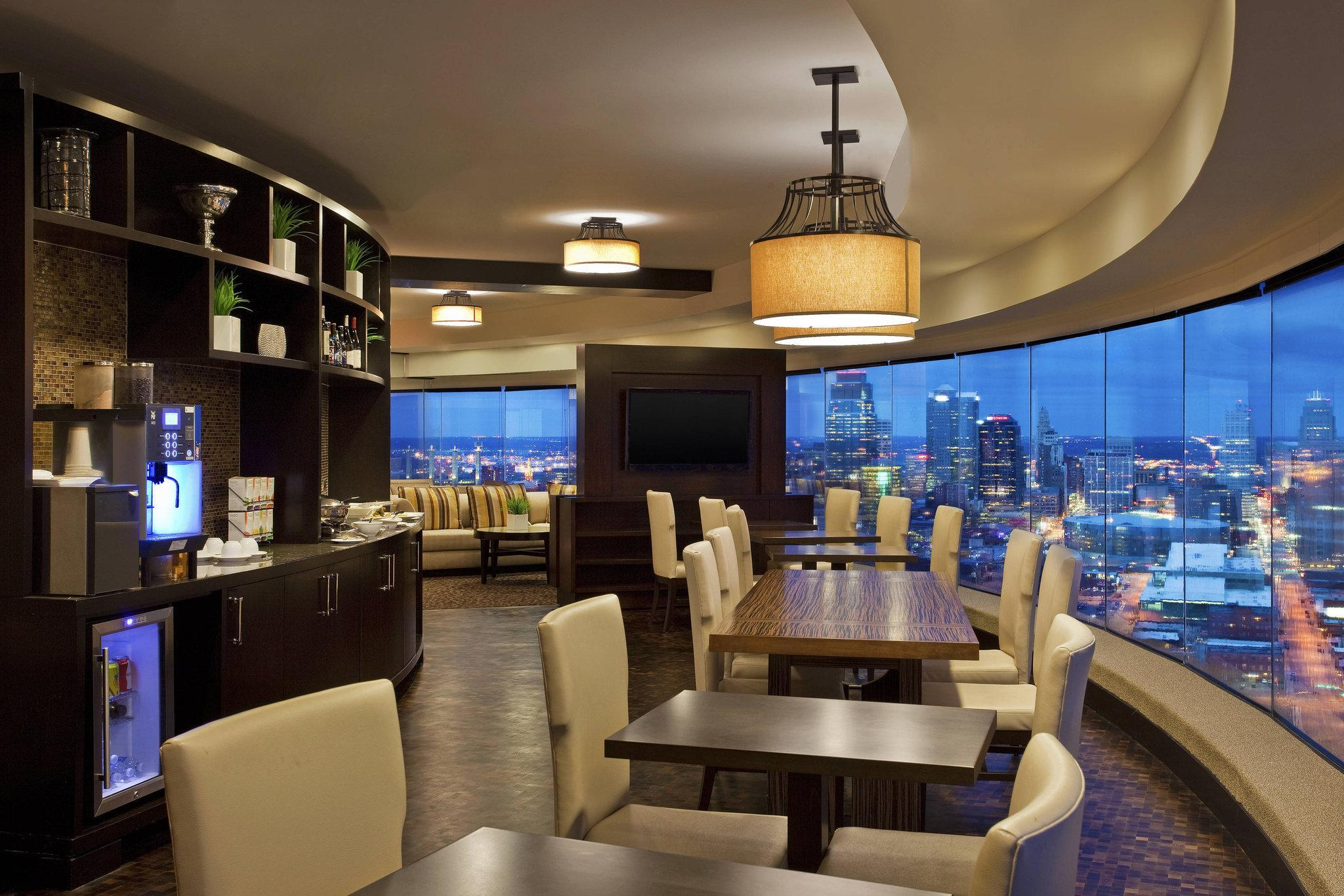Club, Club level, Guest room, 2 Double, High floor