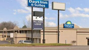 Days Inn & Suites by Wyndham Dayton North