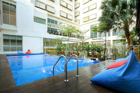 Superior Double Room - View IBIS STYLES JAKARTA GAJAH MADA