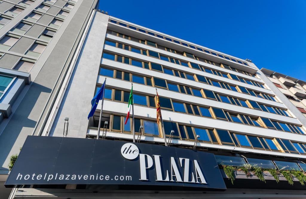More about Hotel Plaza