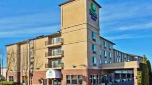 Holiday Inn Express Hotel & Suites Portland-Northwest Downtown