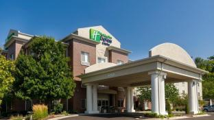 Holiday Inn Express Independence - Kansas City