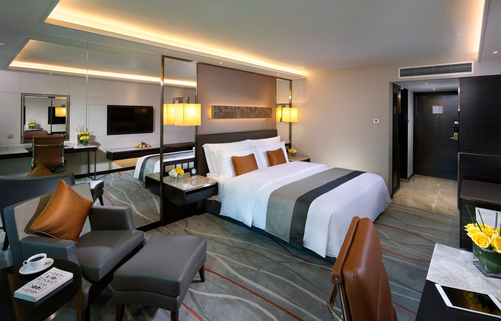 King Bed Premier City Room