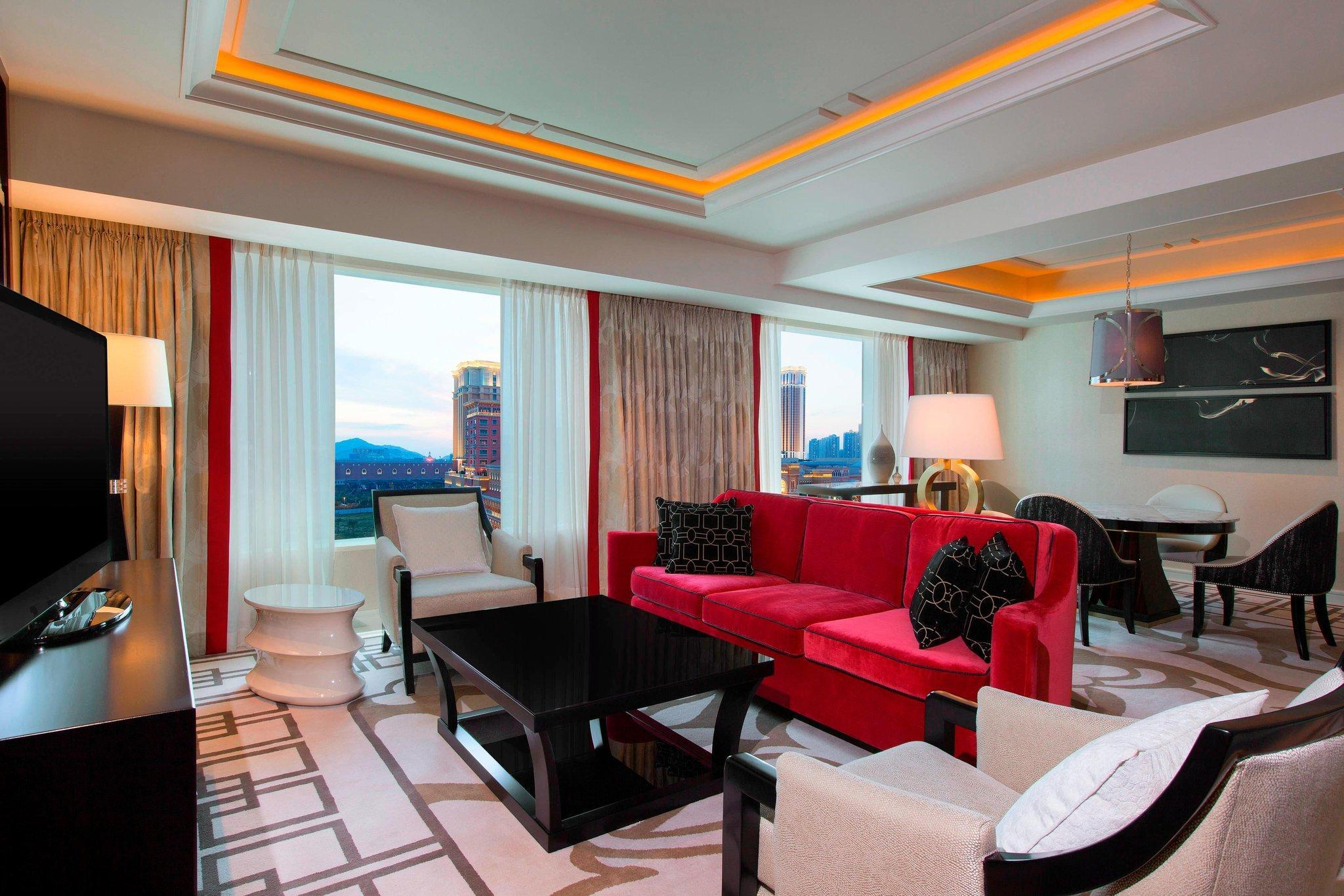 Deluxe Suite, Club lounge access, 1 Bedroom Larger Suite