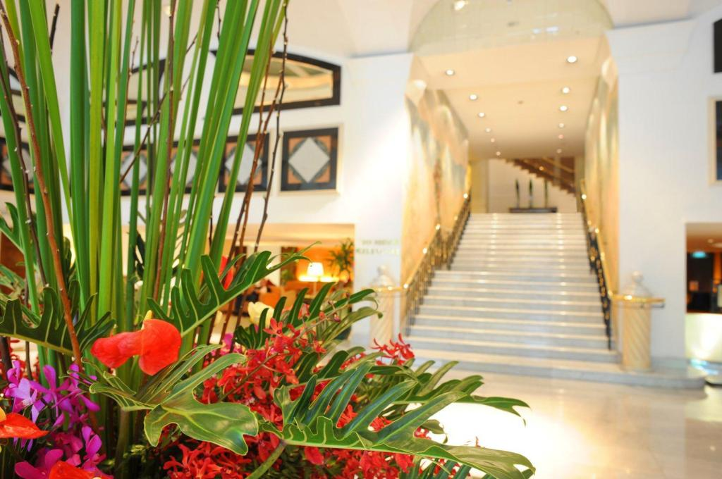 Lobby Rembrandt Hotel & Suites