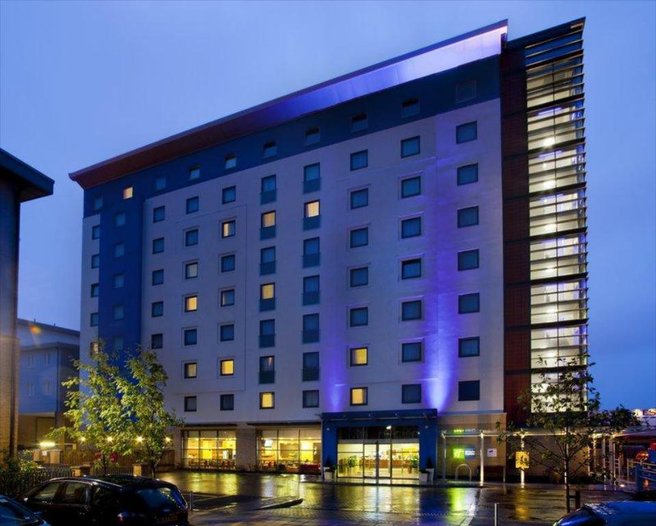 Več o Holiday Inn Express Slough
