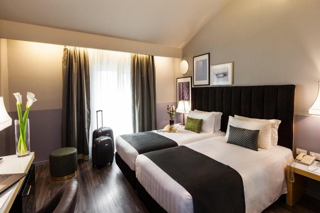 Standard Holiday Inn Milan Garibaldi Station
