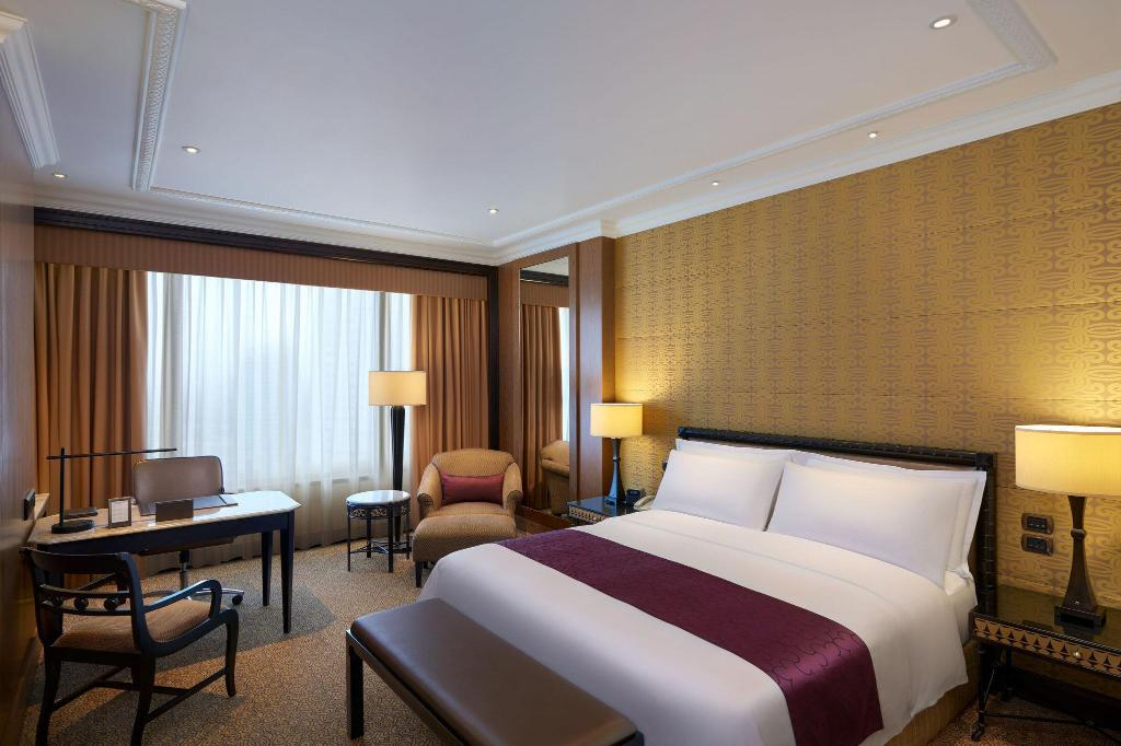 Grande Room, Guest room, 1 King Sheraton Grande Sukhumvit, a Luxury Collection Hotel, Bangkok