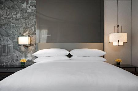 Deluxe, Guest room, 1 King or 2 Twin/Single Bed(s) JW Marriott Hotel Bangkok