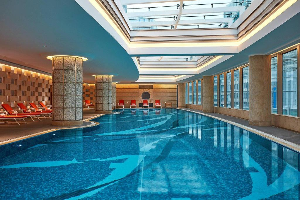 Swimming pool Shanghai Marriott Hotel City Centre