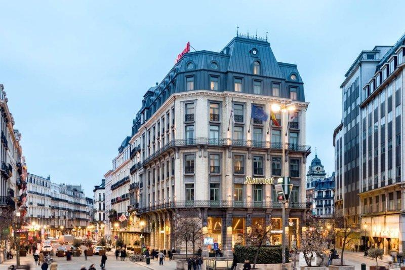 Model Hooker in Brussels