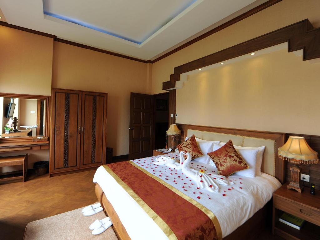 Das The Golden Lake Hotel In Nay Pyi Taw Buchen