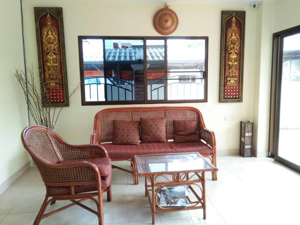 Villa Oranje in Chiang Mai - Room Deals, Photos & Reviews